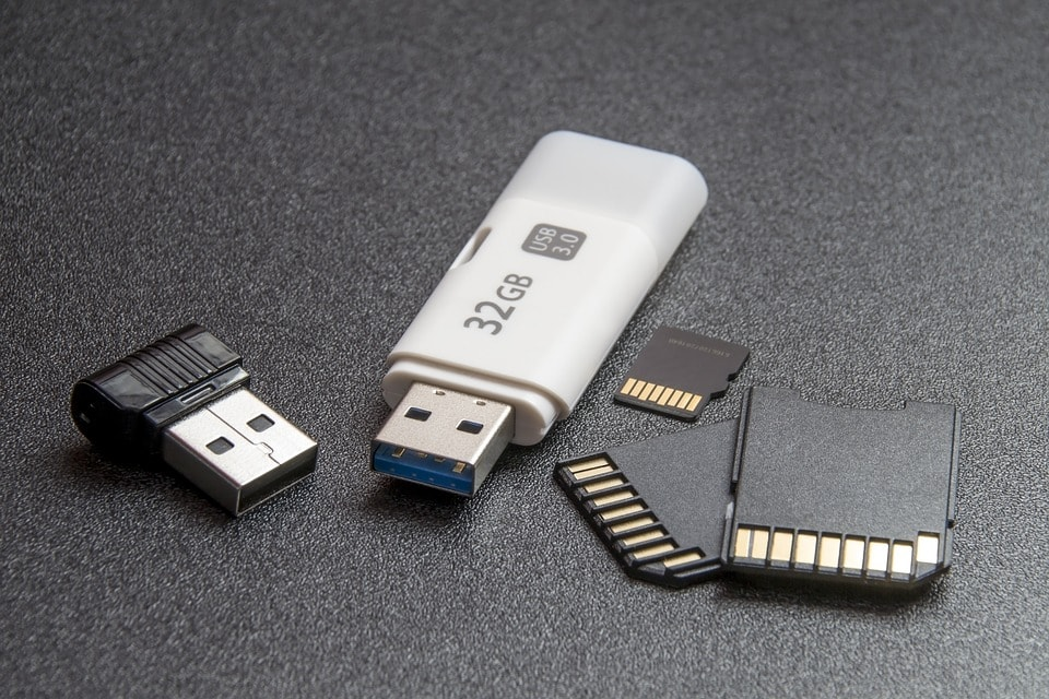how to protect pendrive from remove of shortcut virus